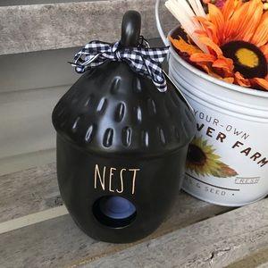 NWT Rae Dunn NEST acorn birdhouse black.
